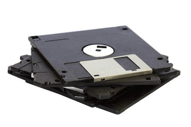 What is Floppy Disk? Advantages and Disadvantages of Floppy disk